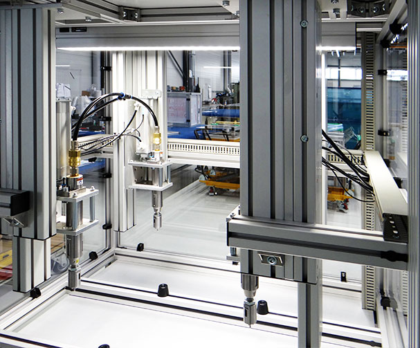 Automatisierter Arbeitsplatz für Kunststoffdrehteile